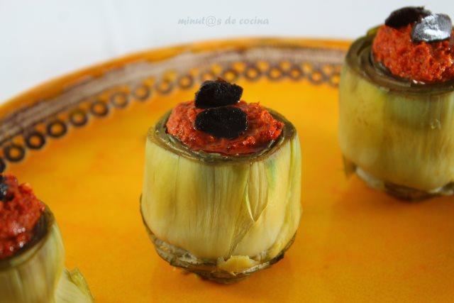 Alcachofas rellenas de sobrasada vegana